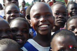 drop-in-the-bucket-charity-africa-uganda-maundo-primary-school-water-well-photos-06