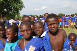 drop-in-the-bucket-charity-africa-uganda-maundo-primary-school-water-well-photos-11