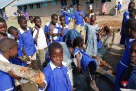 drop-in-the-bucket-charity-africa-uganda-maundo-primary-school-water-well-photos-13
