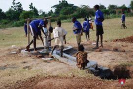 drop-in-the-bucket-charity-africa-uganda-maundo-primary-school-water-well-photos-15