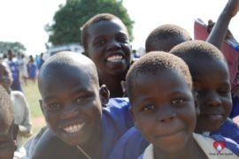 drop-in-the-bucket-charity-africa-uganda-maundo-primary-school-water-well-photos-16