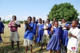 drop-in-the-bucket-charity-africa-uganda-maundo-primary-school-water-well-photos-17