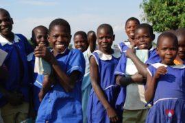 drop-in-the-bucket-charity-africa-uganda-maundo-primary-school-water-well-photos-18