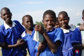 drop-in-the-bucket-charity-africa-uganda-maundo-primary-school-water-well-photos-19