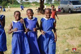 drop-in-the-bucket-charity-africa-uganda-maundo-primary-school-water-well-photos-22