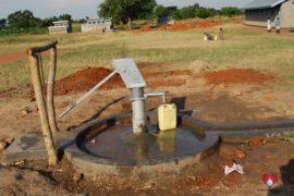 drop-in-the-bucket-charity-africa-uganda-maundo-primary-school-water-well-photos-24