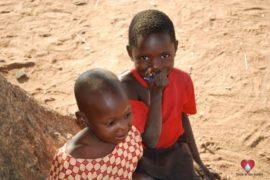 drop-in-the-bucket-charity-africa-uganda-maundo-primary-school-water-well-photos-25
