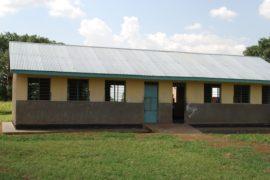 drop in the bucket africa water wells uganda kidilani primary school-0414