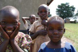 drop in the bucket africa water wells uganda kidilani primary school-0422