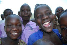 drop in the bucket africa water wells uganda kidilani primary school-0520