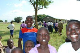 drop in the bucket africa water wells uganda kidilani primary school-0575