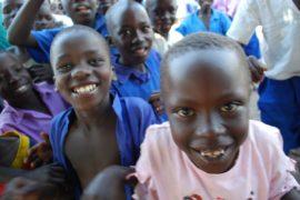drop in the bucket africa water wells uganda kidilani primary school-0755
