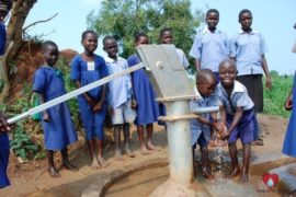 waterwells uganda africa drop in the bucket angolocom primary school-18