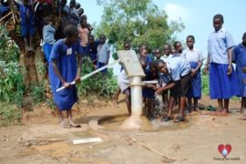 waterwells uganda africa drop in the bucket angolocom primary school-24