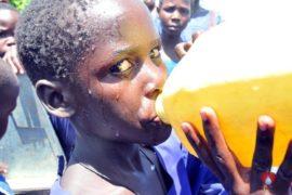 waterwells africa uganda drop in the bucket amusia primary school-12