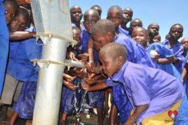 waterwells africa uganda drop in the bucket amusia primary school-44