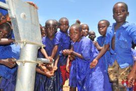 waterwells africa uganda drop in the bucket amusia primary school-45