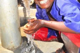 waterwells africa uganda drop in the bucket amusia primary school-68