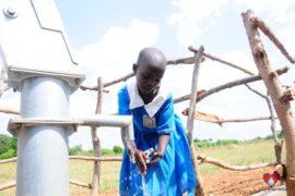 waterwells_africa_uganda_dropinthebucket_dokolokamudaprimaryschool-115