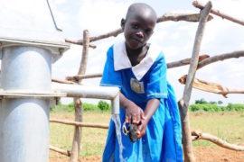 waterwells_africa_uganda_dropinthebucket_dokolokamudaprimaryschool-125