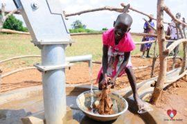 waterwells_africa_uganda_dropinthebucket_dokolokamudaprimaryschool-134