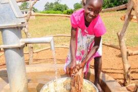 waterwells_africa_uganda_dropinthebucket_dokolokamudaprimaryschool-142