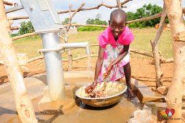 waterwells_africa_uganda_dropinthebucket_dokolokamudaprimaryschool-145
