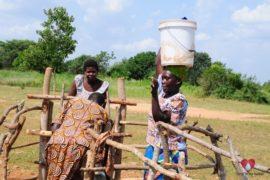 waterwells_africa_uganda_dropinthebucket_dokolokamudaprimaryschool-180