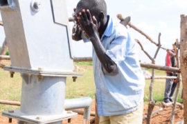 waterwells_africa_uganda_dropinthebucket_dokolokamudaprimaryschool-78