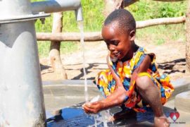 waterwells africa uganda drop in the bucket amusia ajesa-a11