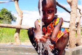 waterwells africa uganda drop in the bucket amusia ajesa-16