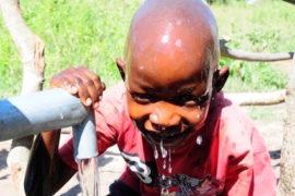 waterwells africa uganda drop in the bucket amusia ajesa-20