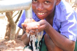 dropinthebucket_africa-water-wells_uganda_oriauprimaryschool-40