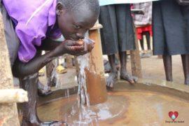 waterwells_africa_southsudan_dropinthebucket_kormuseprimaryschool-50