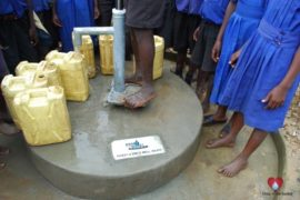 waterwells_africa_uganda_dropinthebucket_stponsianoprimaryschoolmawandawater wells africa ganda drop in the bucket st ponsiano primary school mawanda-
